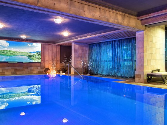 wellnesshotel saalbach hinterglemm wellness indoor pool 1 1529999416